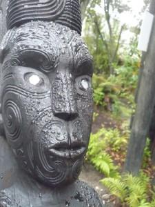 nz_te-puia_maori-schnitzerei
