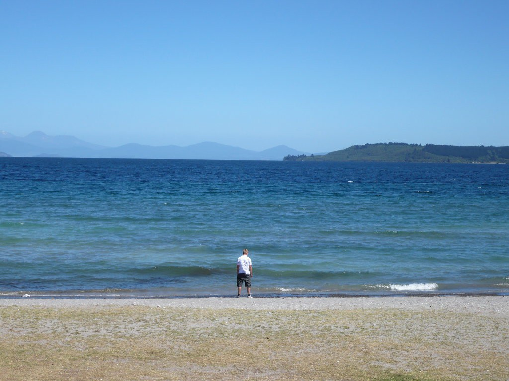 nz_lake-taupo